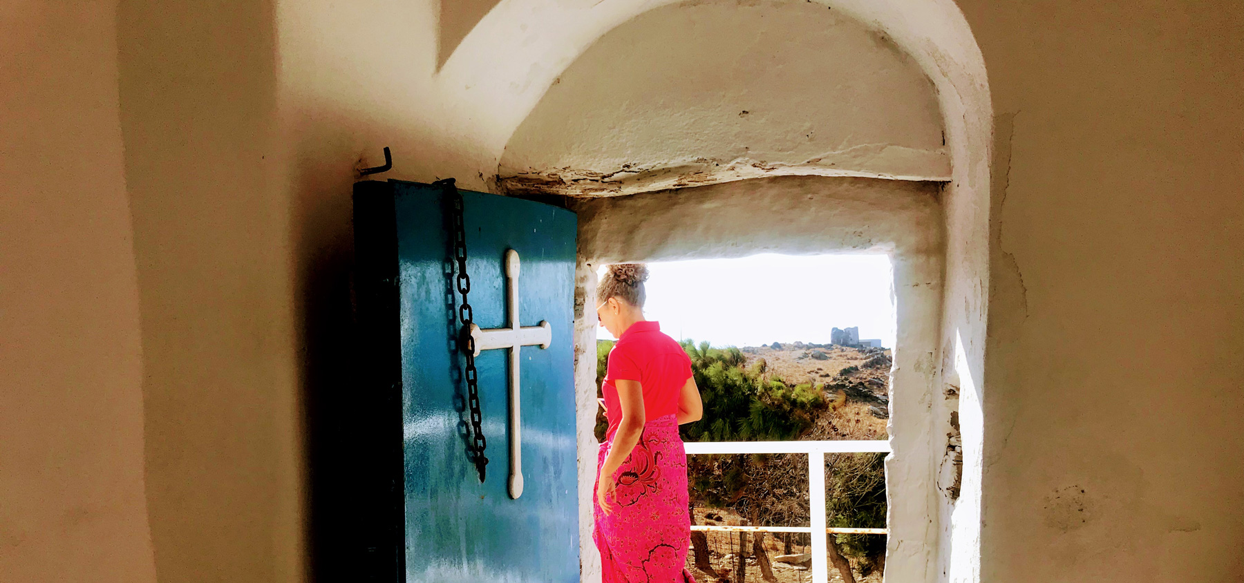 Homepage-slider-Monastery-visit-Serifos-island-Cyclades-Greece